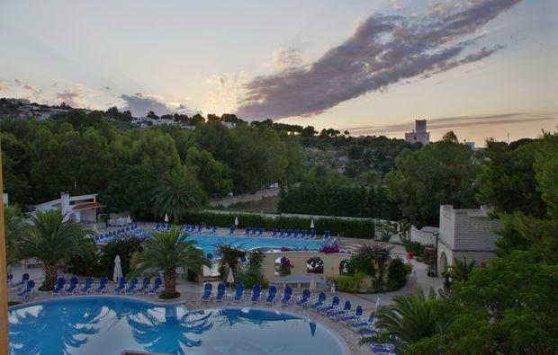 hotel-meer-italien-31511445694