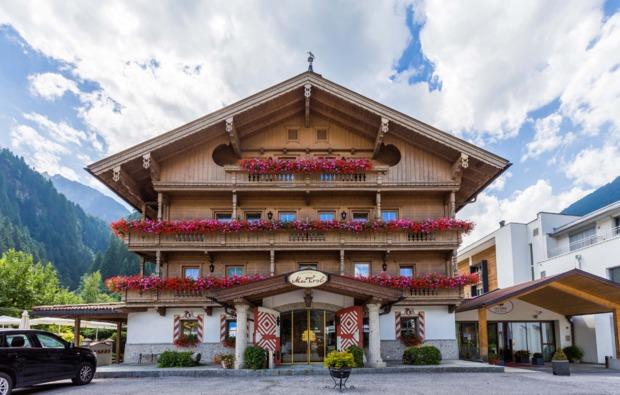 romantikwochenende-mayrhofen-gutshof-zillertal