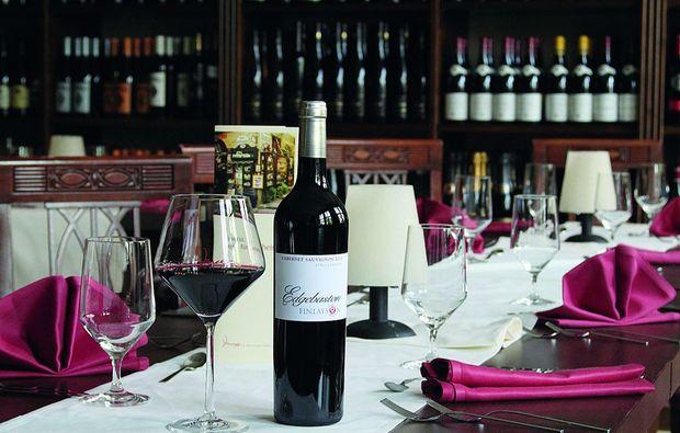 candle-light-dinner-nuernberg-rotwein