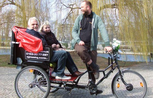 rikscha-tour-berlin-mitfahren