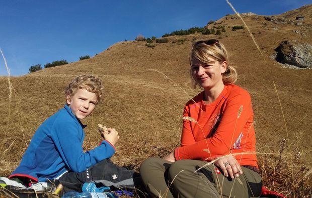 wandertouren-haeselgehr-mutter-sohn