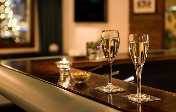 romantikwochenende-saas-almagell-bar