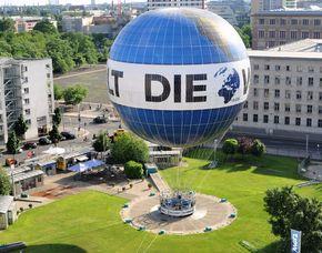 Aufstieg im Weltballon - Familienticket - Aufstieg im Weltballon - Berlin Aufstieg im Weltballon – Berlin von oben für 2 Erw. und 2 Kinder