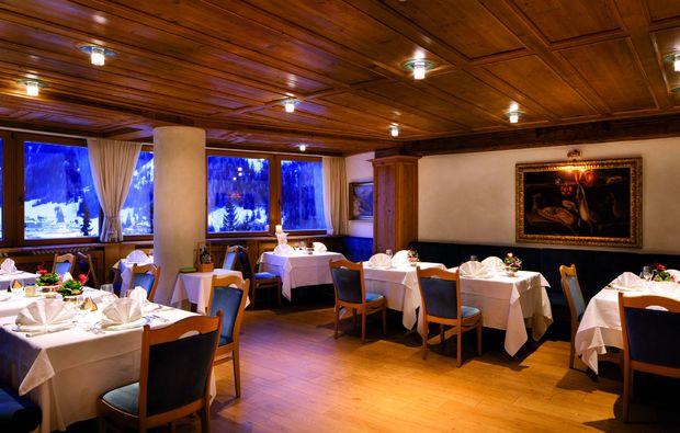 wellness-wochenende-deluxe-corvara-dinner