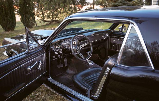 oldtimer-fahren-ulm-cockpit
