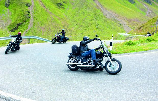 berge-paesse-motorrad