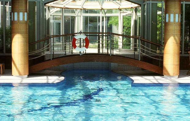 kurztrip-radebeul-pool