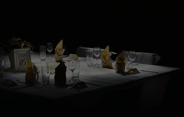 dinner in the dark schriesheim bei mannheim mydays. Black Bedroom Furniture Sets. Home Design Ideas