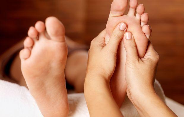fussreflexzonen-massage-badherrenalb-wellness
