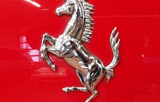 ferrari-fahren-luebeck-sportwagen