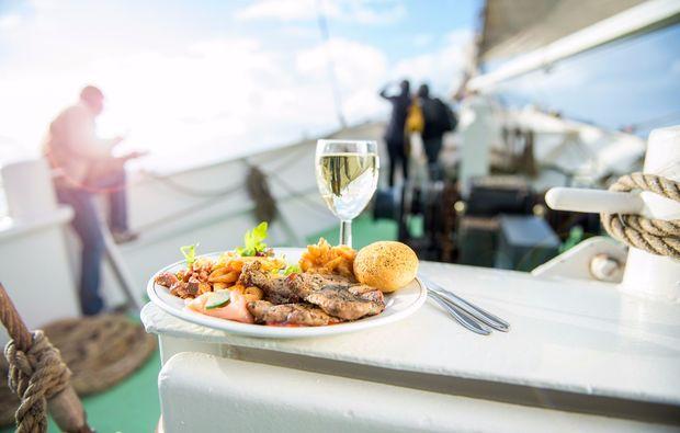 segeln-dinner-travemuende-dinner