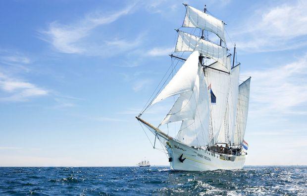 segeln-dinner-travemuende-schiff