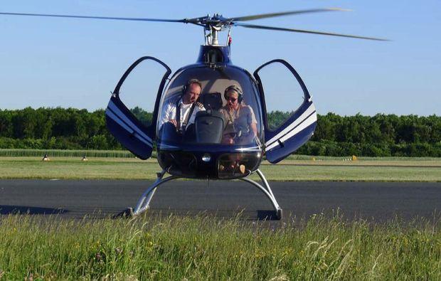 helikopter-privat-rundflug-egelsbach-landung