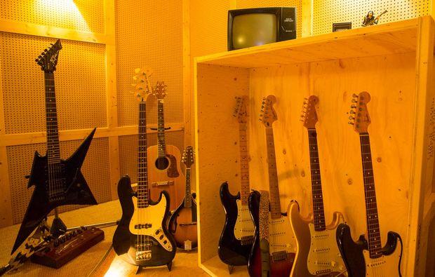 ihr-eigenes-hoerspiel-hamburg-gitarren