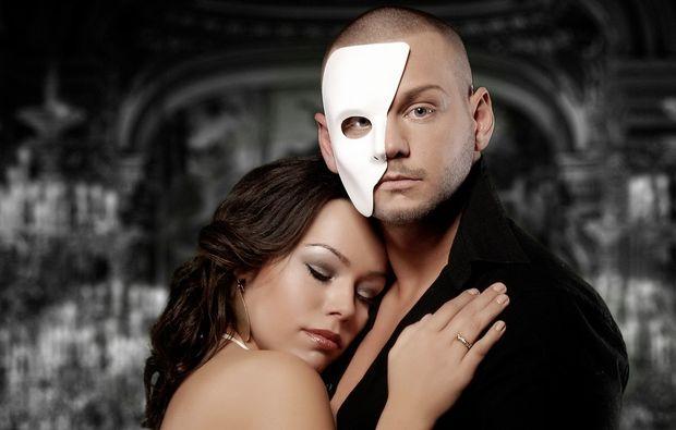 partner-fotoshooting-essen-white-face-half