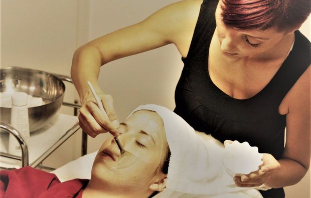 gesichts-wellness-behandlung-badherrenalb