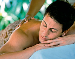 2_physiotherapeutische_ganzkoerpermassage_wellness_deutschland
