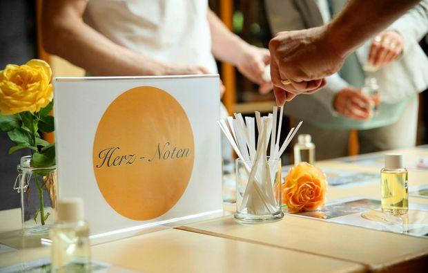 parfum-selber-herstellen-rosenheim-herz-noten