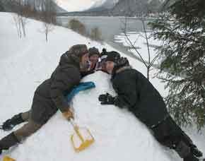 bauen-iglu-winter-lenggris
