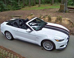 Mustang GT Cabrio fahren - 1 Tag (Mo.-Do.) Mustang GT Cabrio fahren - 1 Tag (Mo.-Do.)
