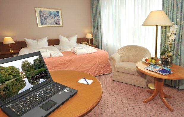 fruehstueckszauber-fuer-zwei-cottbus-schlafzimmer