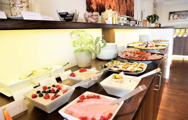kulinarische-bootstour-chiemsee-buffet