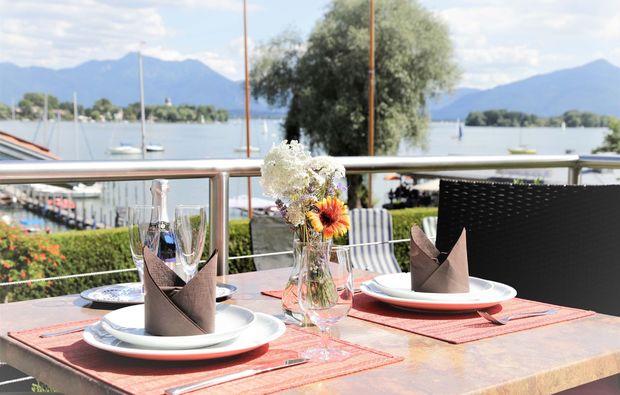 kulinarische-bootstour-chiemsee-sekt