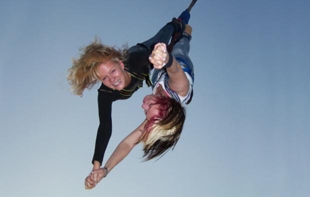 tandem-bungee-jumping-ueber-wasser-werder