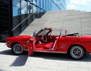 Oldtimer fahren - 1966er Ford Mustang V8 - 4 Stunden - Düsseldorf 1966er Mustang V8 - 4 Stunden