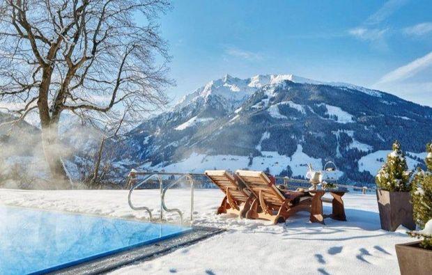 schlosshotel-mittersill-pool-winter