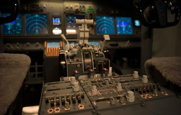 3d-flugsimulator-boeing737-berlin-instrumente
