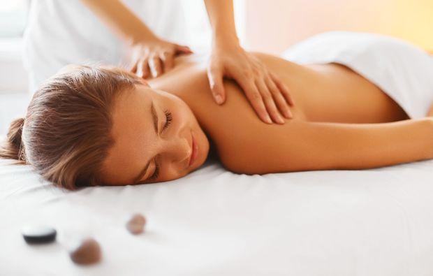 ganzkoerpermassage-rosenfeld