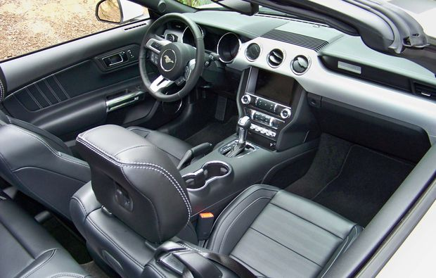 ford-mustang-fahren-wuerzburg-cockpit
