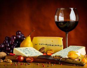 Wein & Käse - 1001 Gewürze - Gewürzmanufaktur - Hamburg Verkostung von 10 Weinen & 10 Sorten Käse