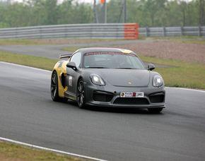 Renntaxi - Porsche Cayman GT4 - 4 Runden Porsche Cayman GT4 - 4 Runden -  Driving Center Groß Dölln - Templin