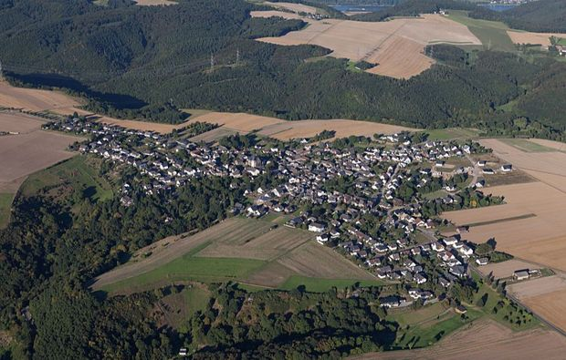 flugzeug-rundflug-nuerburgring-bad-breisig-ausblick