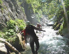 Canyoning Höllwiesenklamm - ca. 4 Stunden Canyoning Höllwiesenklamm - ca. 4 Stunden