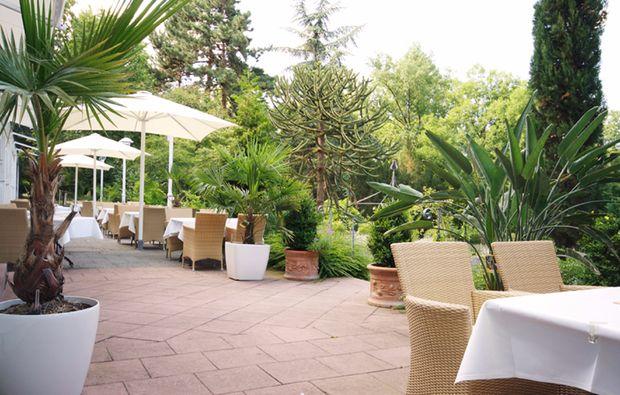 weinreisen-bad-duerkheim-terrasse