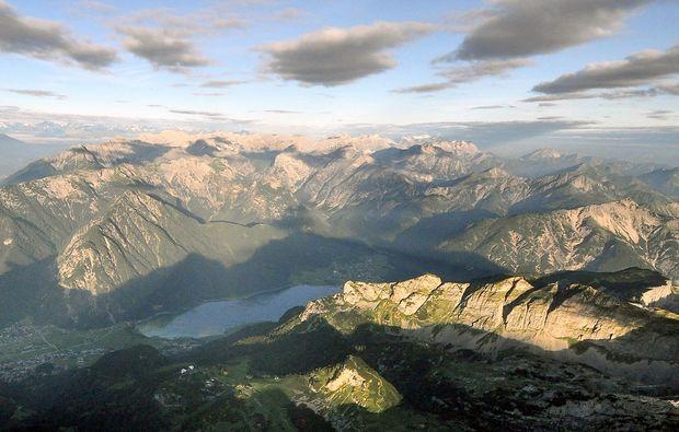 ballonfahrt-kufstein-berglandschaft