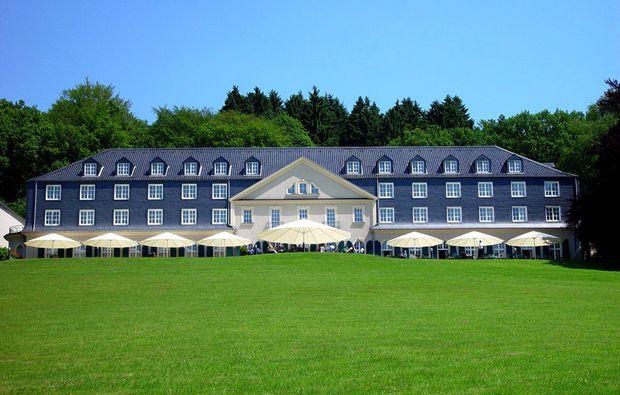 kleine-koestlichkeiten-fuer-zwei-wermelskirchen-hotel