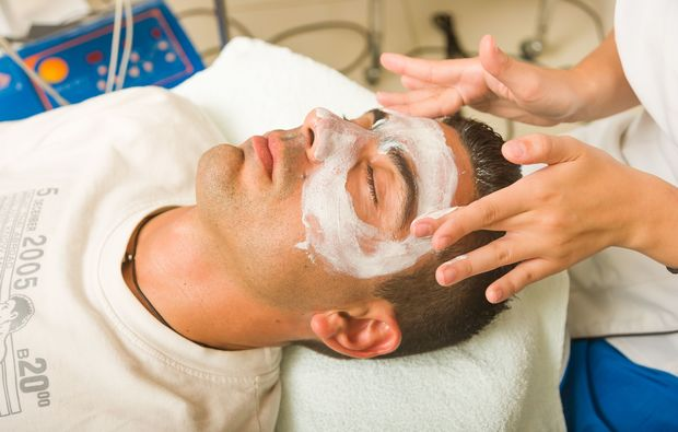 naturkosmetik-behandlung-nuernberg-maske
