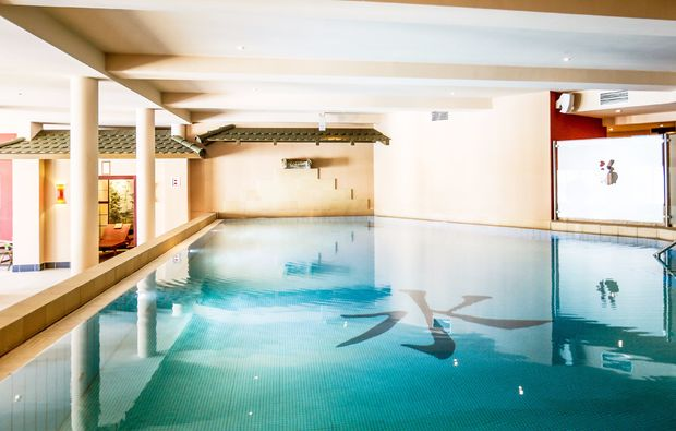 wellness-wochenende-deluxe-werder-havel-pool