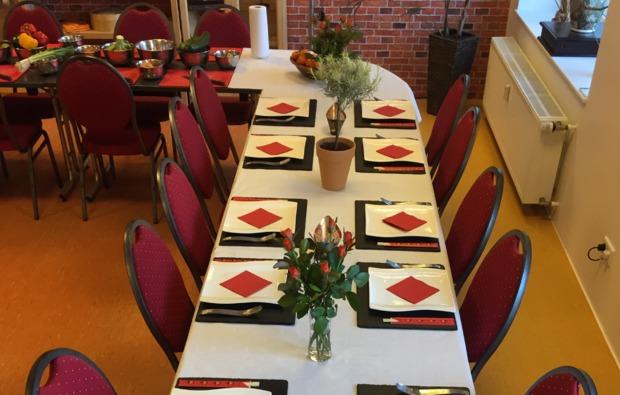 asiatischer-kochkurs-koeln-tafel