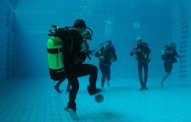 tauchschnupperkurs-freiburg-fussball