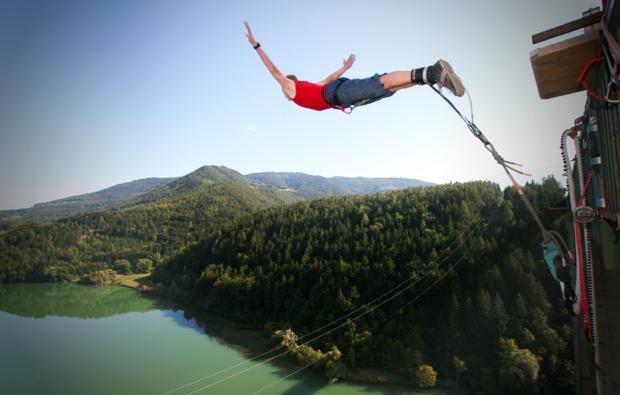 bungee-jumping-jauntalbruecke-kaernten-bungy