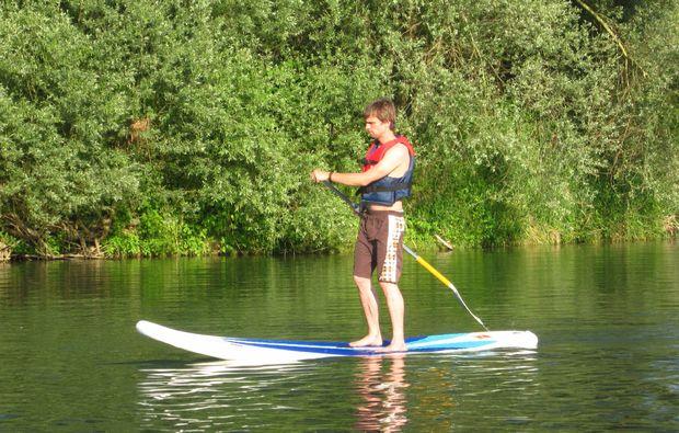 stand-up-paddling-bad-bellingen-stehen