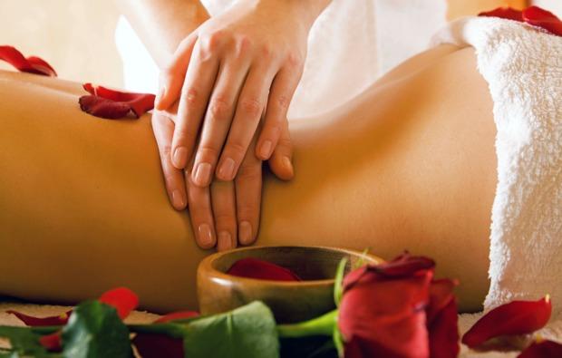 ayurveda-massage-muenchen-spa-behandlung