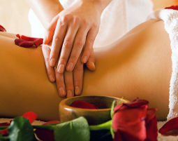 Ayurveda Massage Ruhe in der Salzgrotte