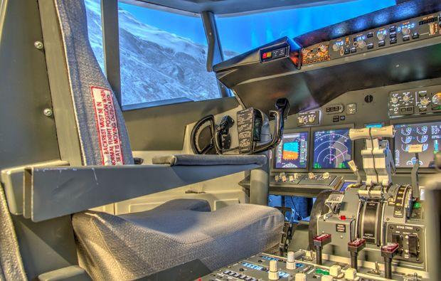 flugsimulator-boeing737-schweinfurt-pilotensitz