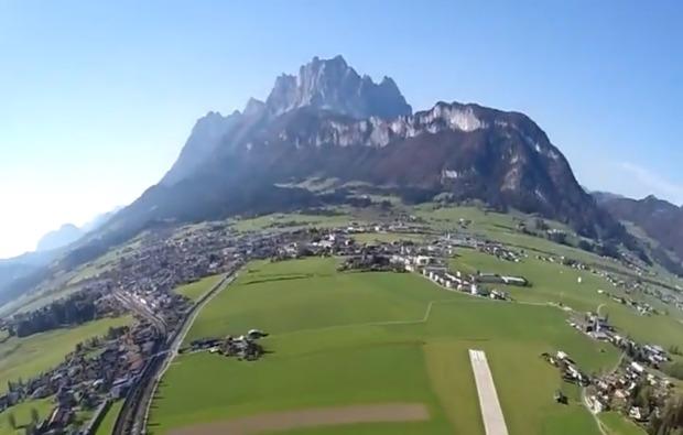 fallschirm-tandemsprung-st-johann-tirol-ausblick